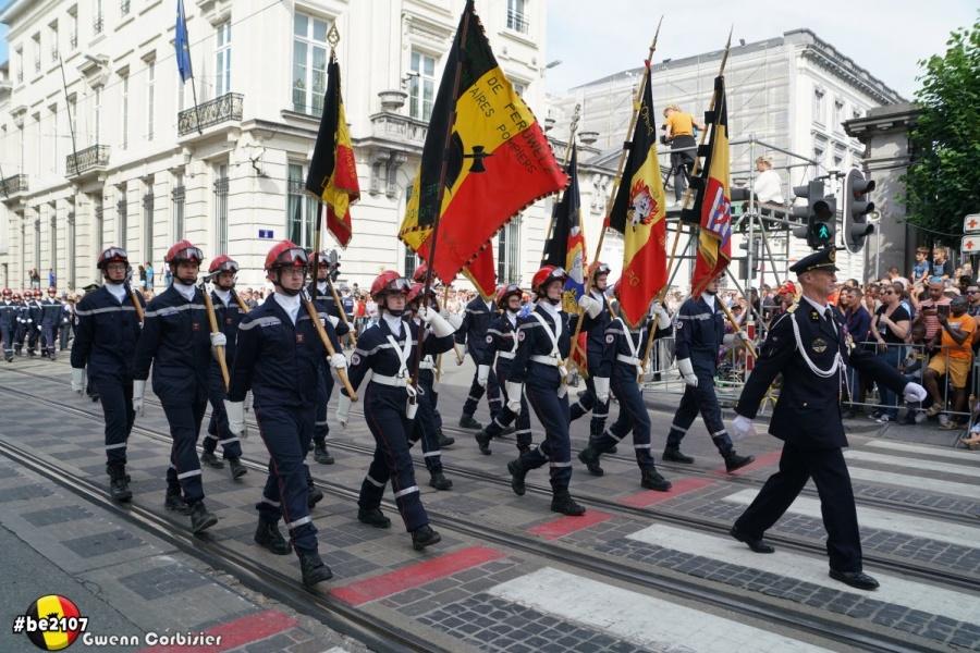 Défilé jeunes sapeurs-pompiers (photo Gwenn Corbisier)